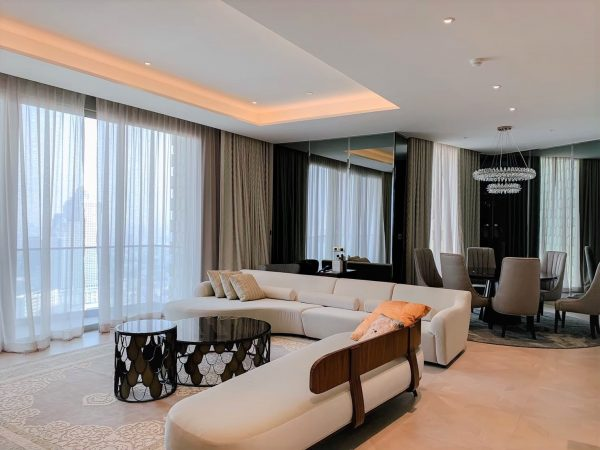 Mandarin iconsiam for rent